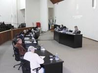 Parlamentares apresentam 15 proposições no expediente