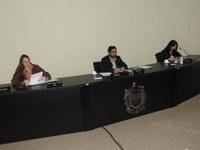 Parlamentares pedem prazo e vistas em projetos