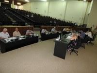 Vereadores questionam órgãos competentes via requerimentos