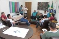 Requião Filho visita a Câmara Municipal de Castro
