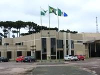 Câmara de Castro dá férias a 20 servidores por causa da Covid-19