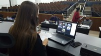Plenário rejeita projeto que concede título a Aline Sleutjes