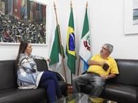 Presidente da Câmara de Castro recebe visita de Izidro Guedes